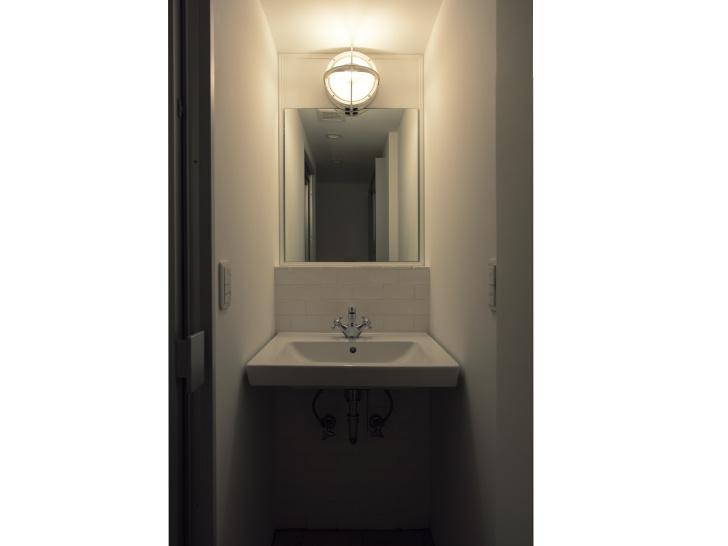 【売約済】「はじまりの白」ドアを開けると、そこは別世界のようだった。