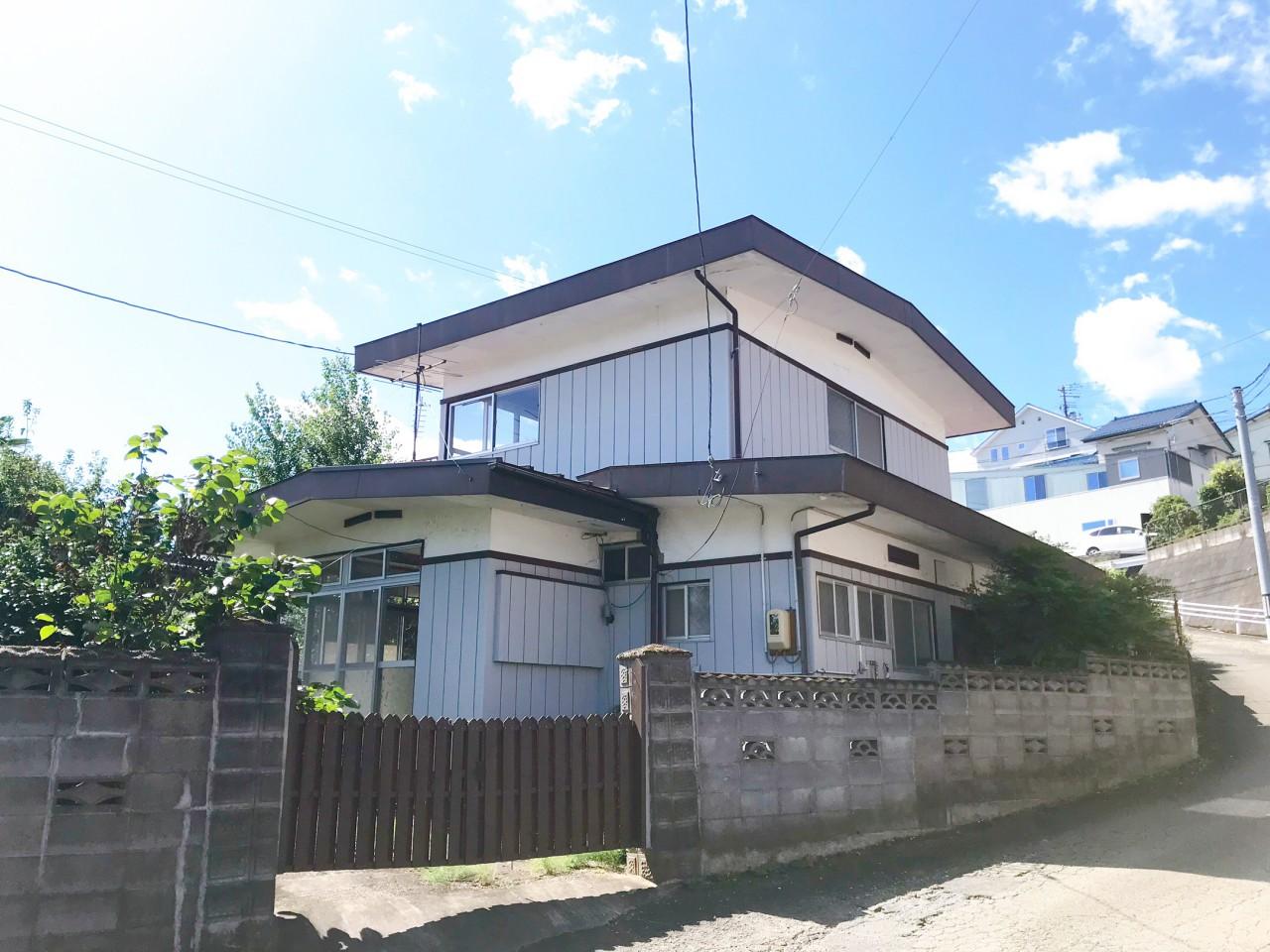 高台にたたずむ、じいちゃん家?絶景付き。